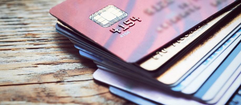 credit_cards_lying_on_desk_top%402x.jpg